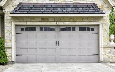 6 Easy Ways To Stay Safe While Operating A Garage Door